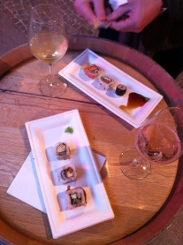 An event in the museum courtyard called 'smartwine', with sushi and the local wine