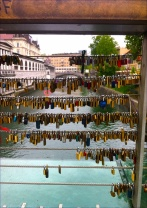 We spy lovelocks all over Europe - this time on the Butchers' Bridge