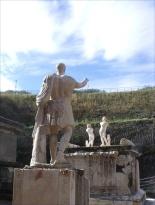 Tomb statues in Herculaneum