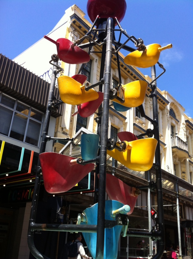 Wellington cuba street bucket fountain